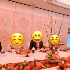 熱田神宮での披露宴の時のテーブルランナーと装飾のお花。