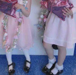 結婚式に来てくれた姪っ子たちと、プレゼントした手作りのキャンディーレイ。