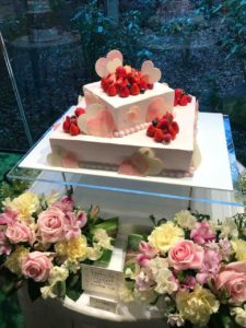 熱田神宮の大結婚展で展示されていたウェディングケーキ