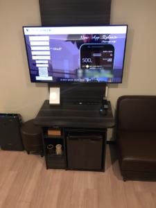 客室のテレビ。